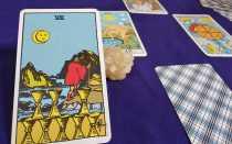 Что значит Восьмерка Кубков в раскладах таро на отношения